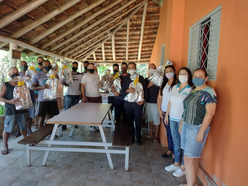 Noticia smed-visita-el-shadai-e-distribui-kits-escolares