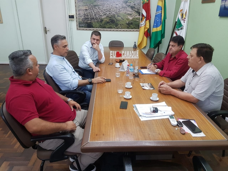 Executivo Municipal reúne-se com representantes do Sebrae-RS